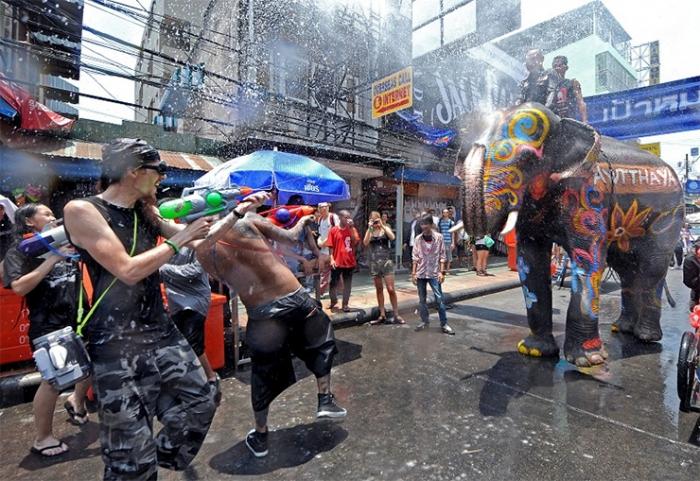 Как тайцы празднуют Сонгкран