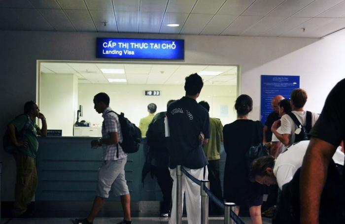 Получение визы во Вьетнам на границе
